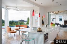 现代风格小厨房红色橱柜装修效果图