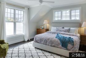 北欧简约风格阁楼卧室图片欣赏大全