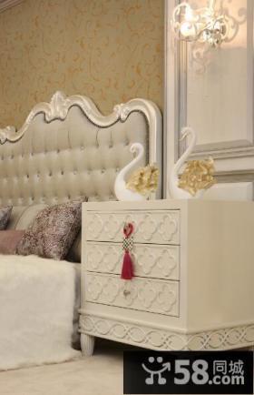 欧式风格卧室床头柜装修效果图片
