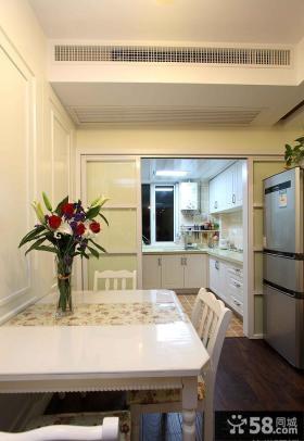 餐厅厨房移动隔断装修设计