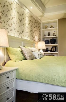 美式风格装修卧室图