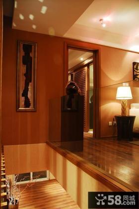 现代风格复式楼梯间设计