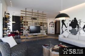 2012创意小户型客厅镂空博古架电视背景墙装修图片