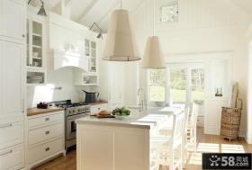 欧式风格别墅厨房图