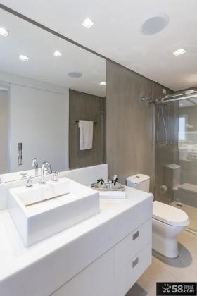 圣保罗复式小公寓卫生间设计