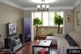 现代简约风格小户型客厅电视机背景墙效果图
