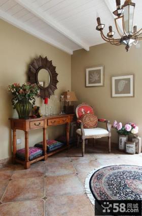 意大利别墅室内桌子装饰图片