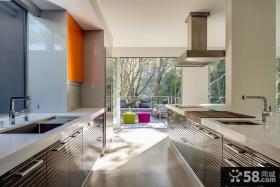 现代大阳台厨房装修效果图